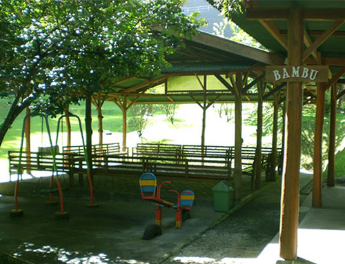 lembah-bougenville-resort-shelter-bambu