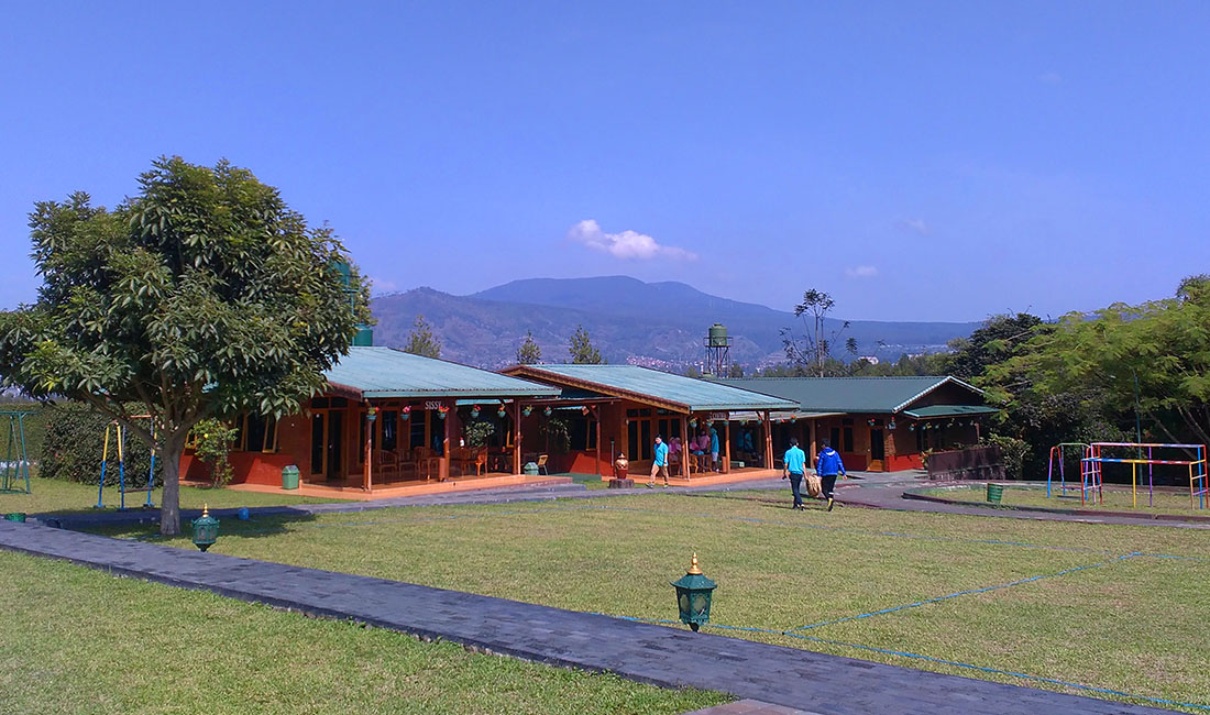 lembah bougenville resort